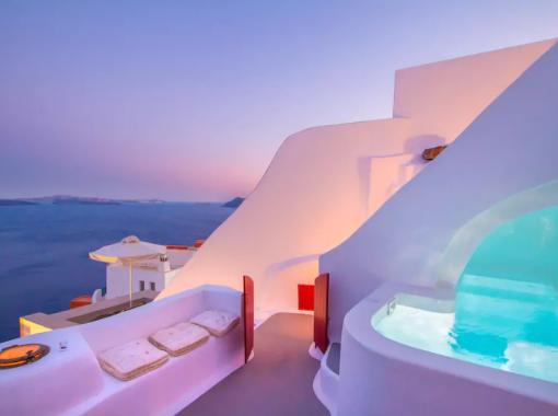 Um local com vista para o mar de Santorini, quer mais?