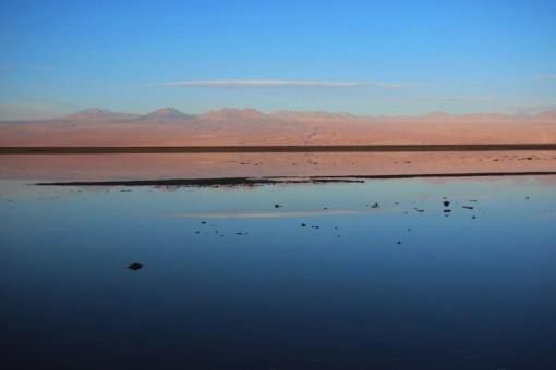 Laguna Tebinquinche com profundidade de aproximadamente 5cm.