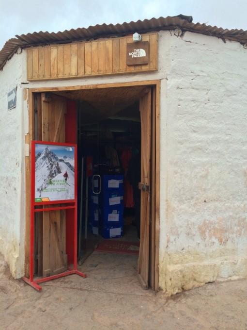 Loja de North Face na rua Caracoles