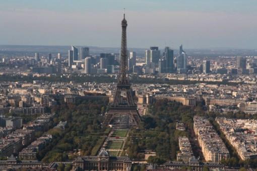 Eiffel com La Defense