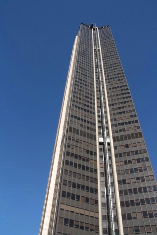 O monstrengo no meio de Paris. Torre Montparnasse