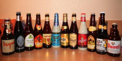 12 das 18 cervejas que trouxemos na mala. Operação a la MacGyver pra que nenhuma quebrasse