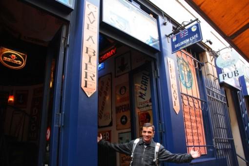 Delirium, o lugar que tem a maior variedade de cervejas a venda.