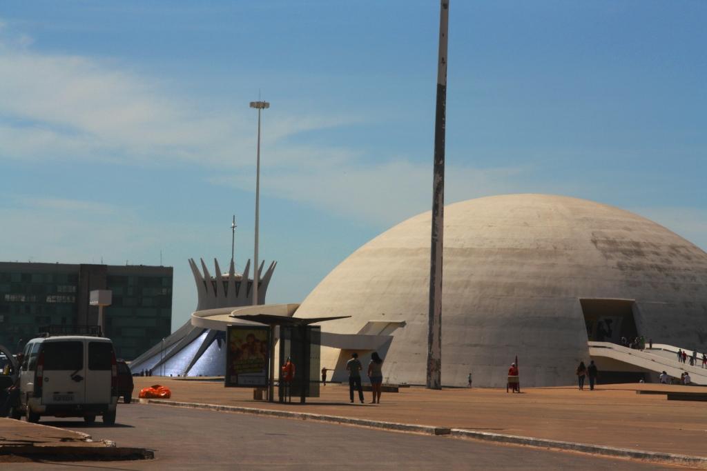 Vá dizer que esse cenário não é meio surreal??? - Turismo em Brasília