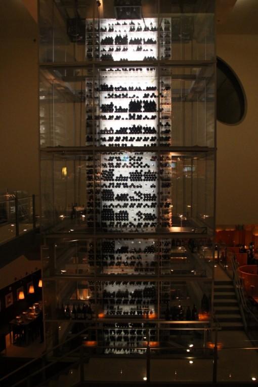 Se você prefere um vinho, que tal essa adega? Fica no Mandalay Bay
