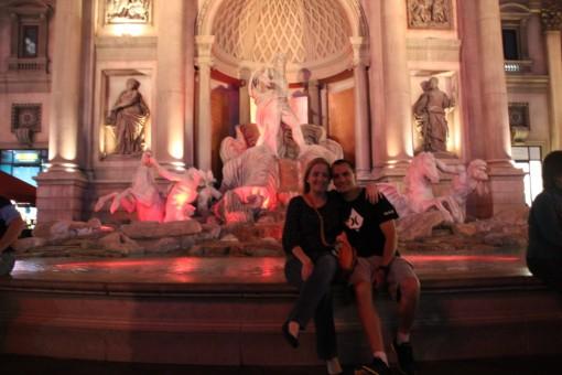 Roma? Não, essa Fontana di Trevi fica na Strip.