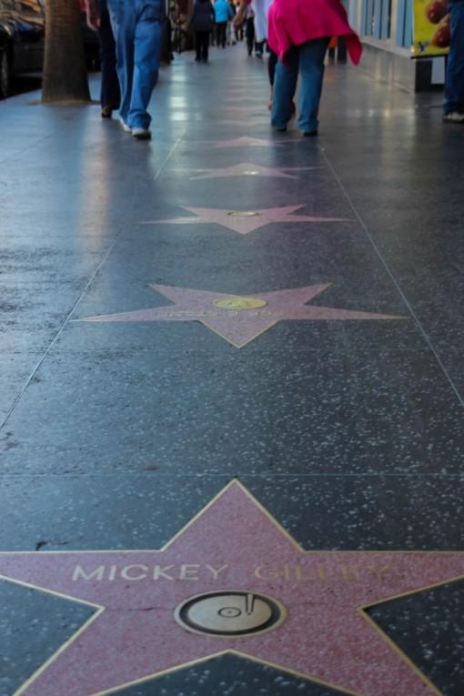 Várias artistas que não conhecíamos e muitas quadras pra andar na calçada da fama