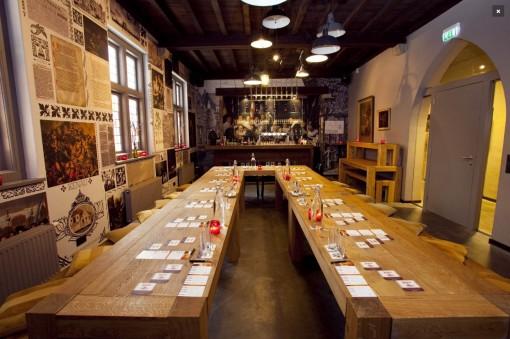 A sala privada para reuniões na antiga sacristia. Foto divulgação do site www.jopenkerk.nl