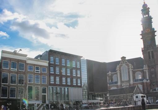 Anne escrevia no diário que todos os dias ouvia os sinos da igreja Westerkerk soarem.