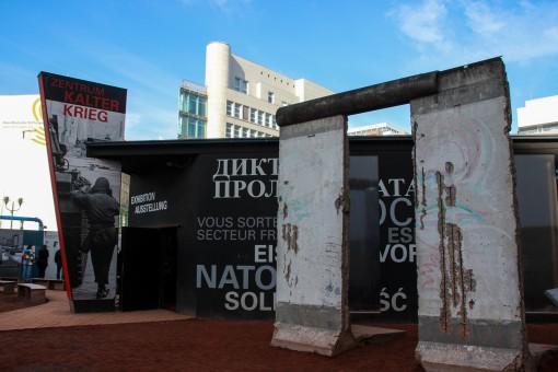 Exposição Black Box e um pedaço do Muro de Berlim
