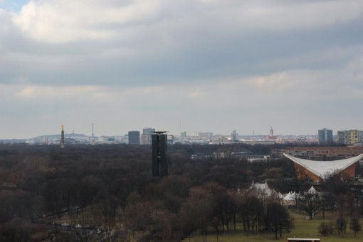 Vista panorâmica do Reichstag com a coluna da vitória a esquerda