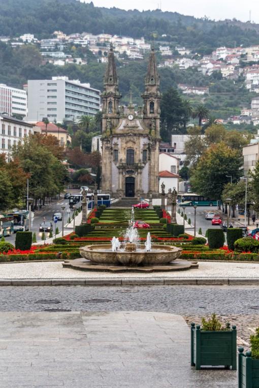 Beleza arquitetônica de Guimarães, igreja de São Gualter