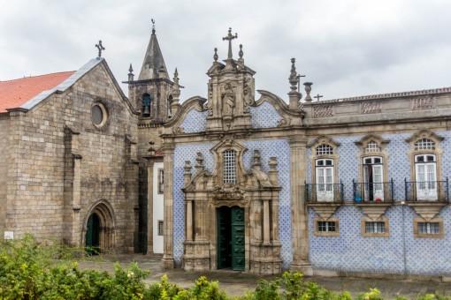 Largo de São Francisco. Nessa igreja está enterrada a duquesa D. Constança de Noronha.