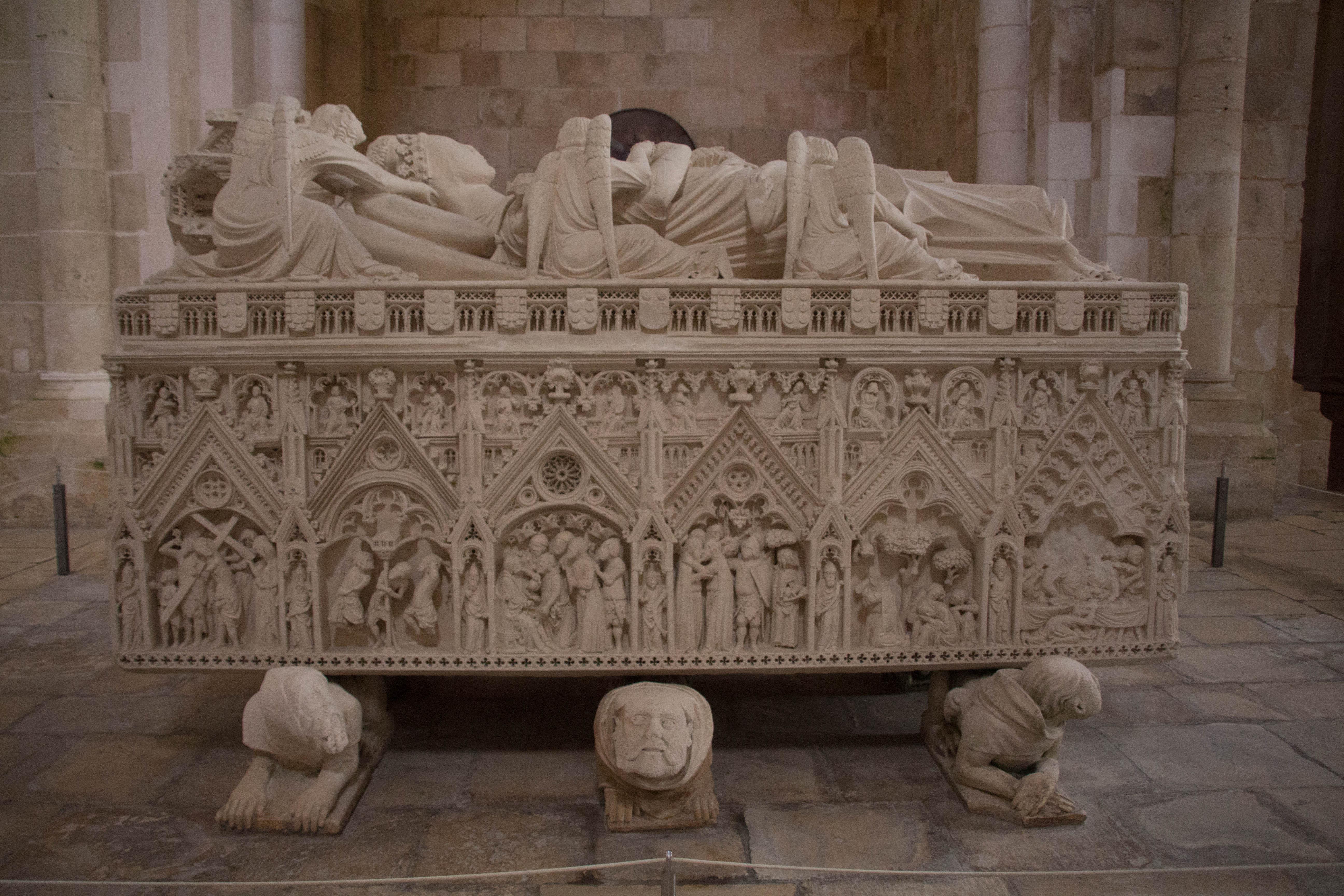 Túmulo de Inês de Castro Alcobaça