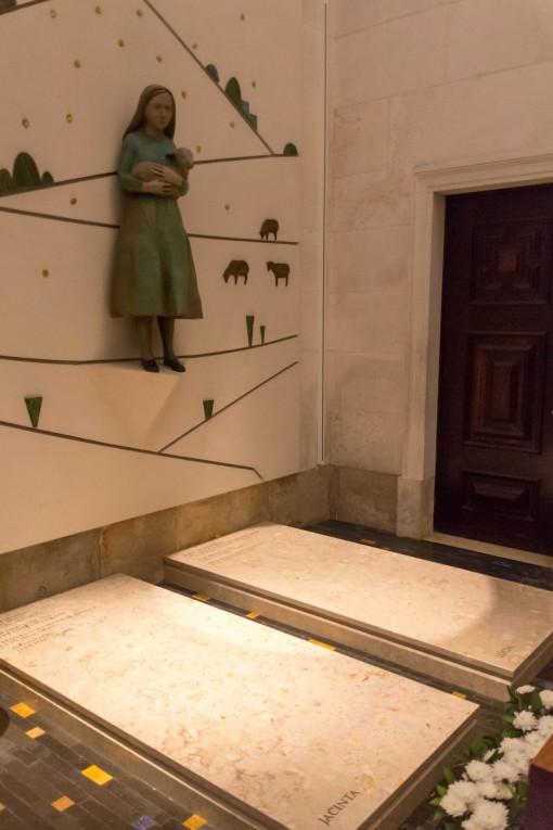 Túmulo de Jacinta e Lucia