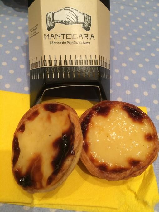 O da Manteigaria é bom, mas também podia vir com um sache de açúcar e outro de canela como em Belém.