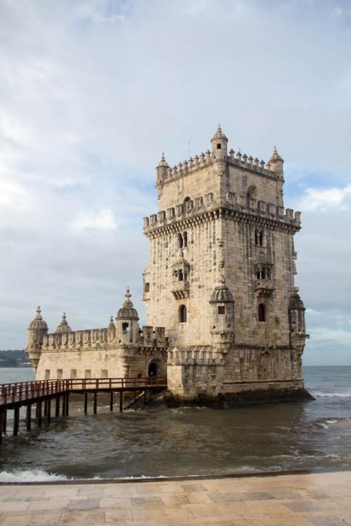 Torre de Belém sem turistas. Não foi photoshop, foi uma foto tirada momentos antes de um mundaréu de gente entrar na minha frente.