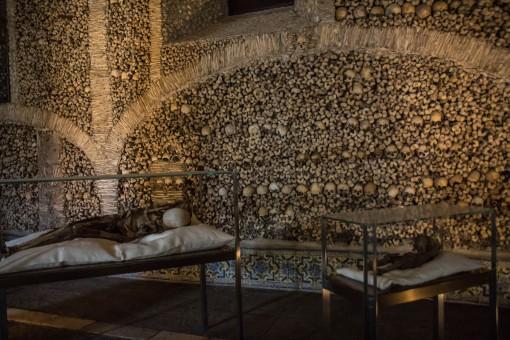 Caveiras na Capela