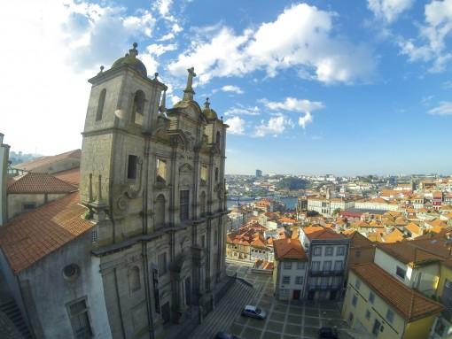 Da Sé do Porto você pode ver boa parte da cidade do Porto. A vista é linda.