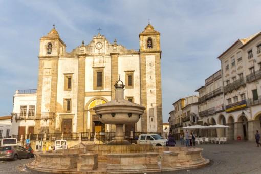 Praça do Giraldo, onde tudo acontece