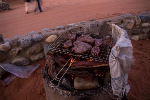 Africano adora um Braai (churrasco). Acho que temos algum em comum com eles.