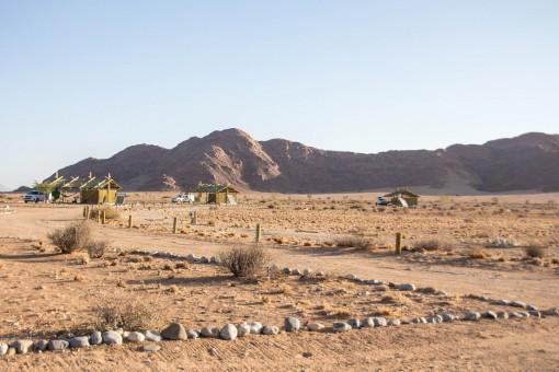 Sossus Oasis. Esse camping fica do lado de fora do parque.