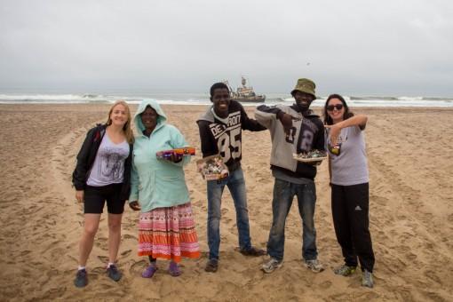 Amigos namibianos por alguns minutos em frente ao Zeila