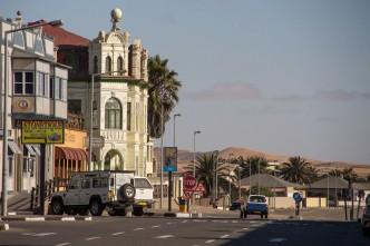 Arquitetura alemã e dunas de areia definem Swakopmund