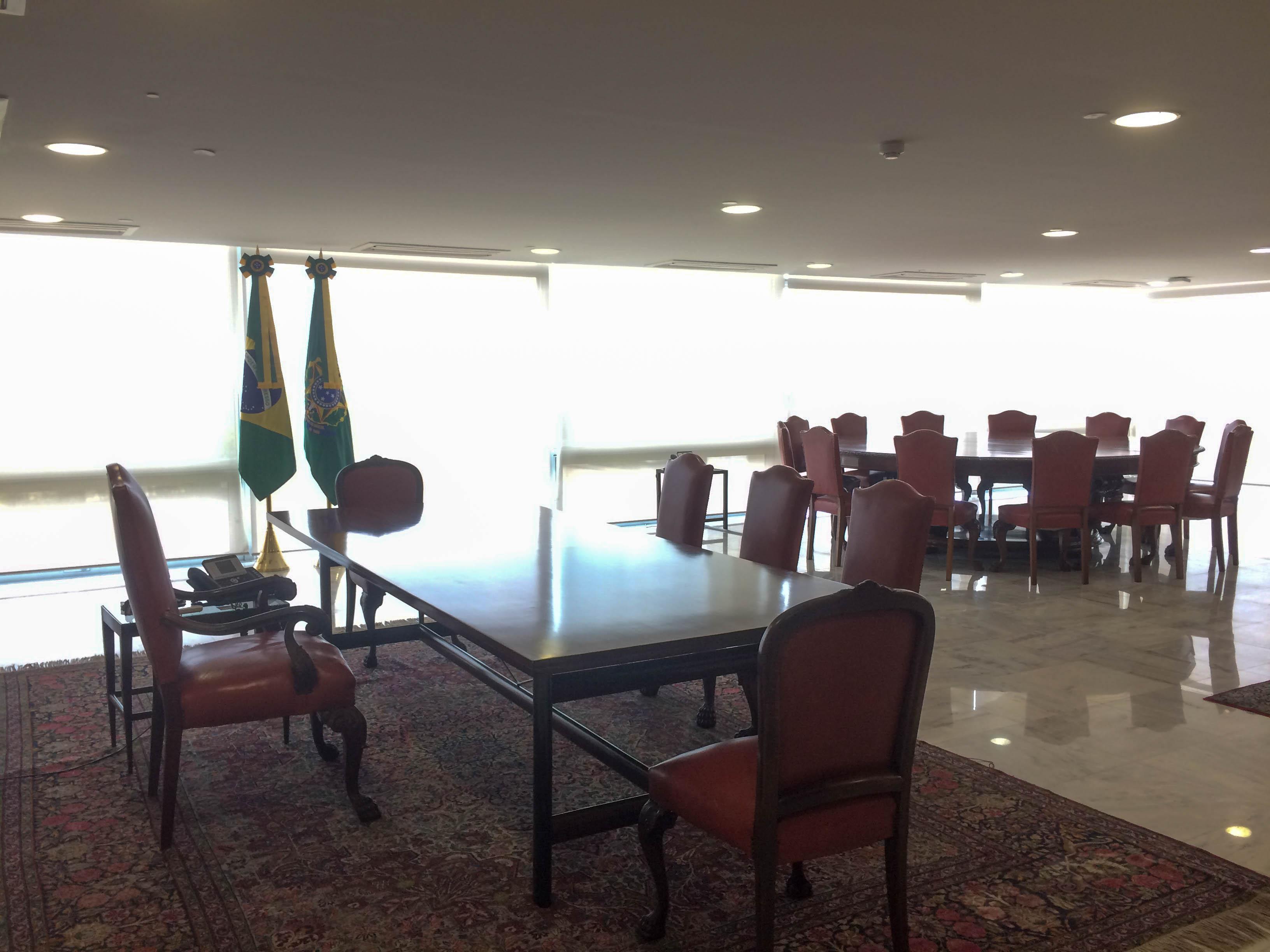 Visita ao Palácio do Planalto O gabinete presidencial. Até que é bem simples né?