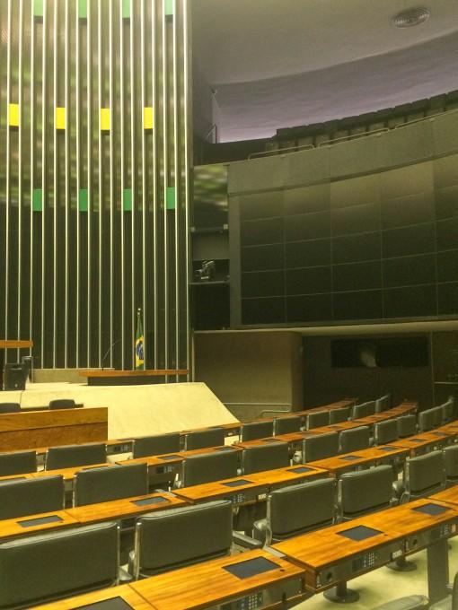 """As """"carteiras escolares"""" do Plenário da Câmara dos Deputados"""