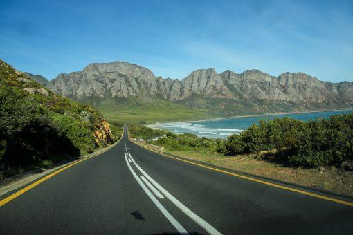 Sério!! Eu queria parar pra tirar fotos a cada km rodado. A costa sul-africana é linda.