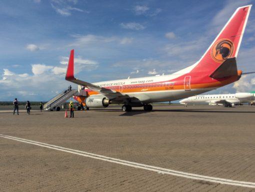 Foto do avião da TAAG na volta para o Brasil.