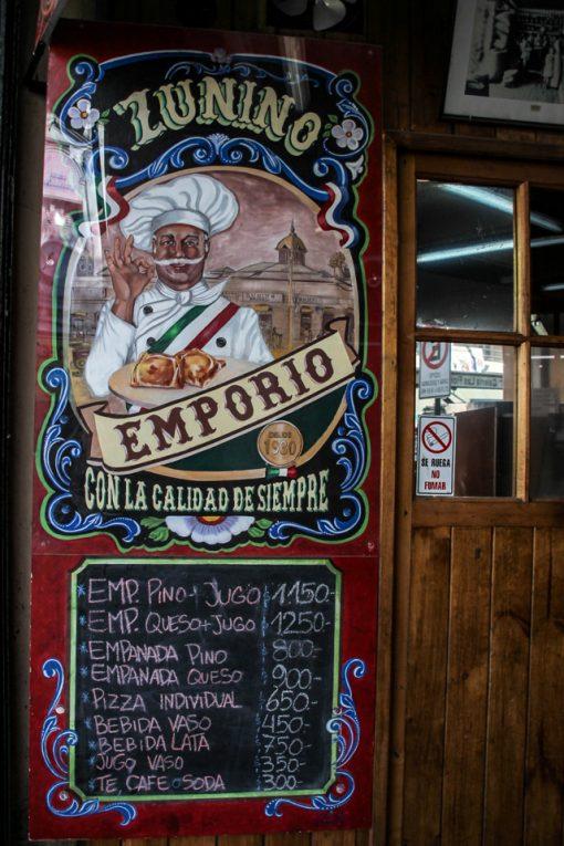 Cardápio com os preços das empanadas do Empório Zunino