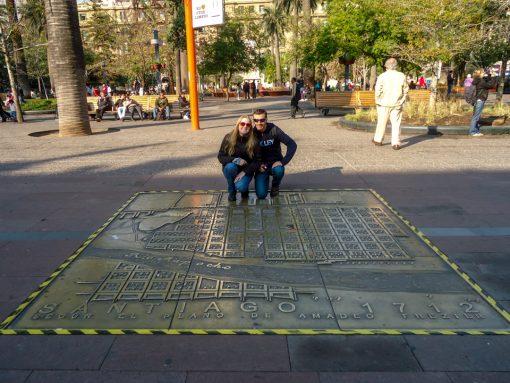 Mosaico do marco zero em bronze no chão da praça das armas