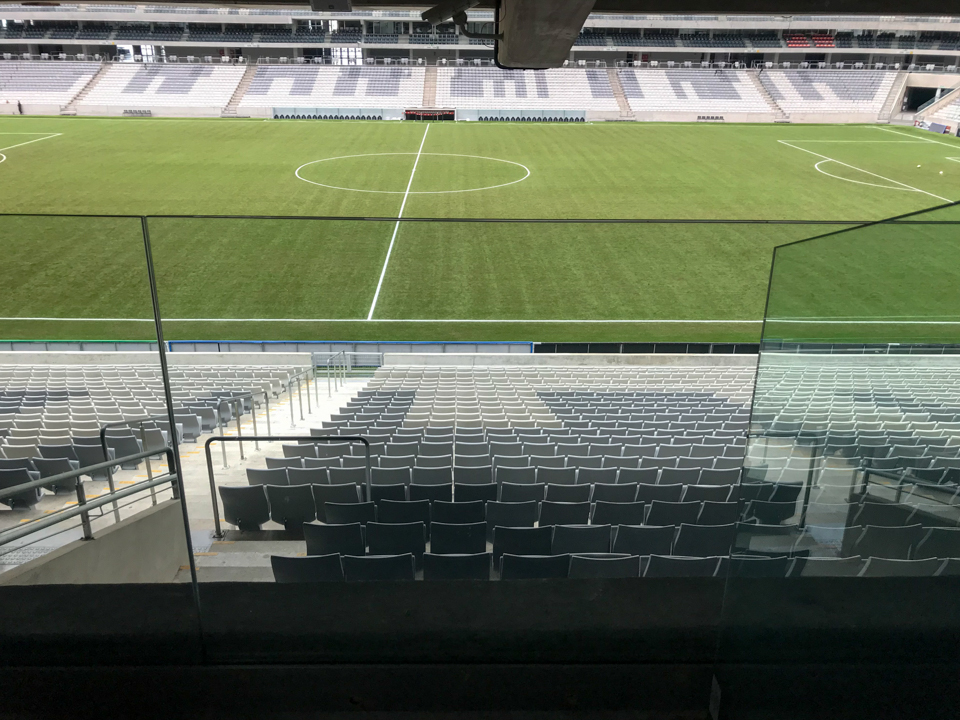 Vista do gramado a partir de um dos 35 camarotes do estádio Joaquim Américo