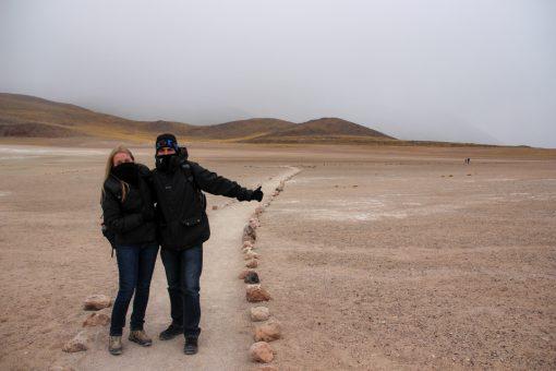 Eu e Diego fazendo o caminho até a segunda das lagunas altiplânicas