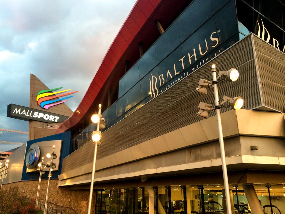 Fachada do mall sports, shopping de artigos esportivos em santiago