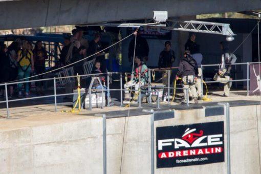 bungee jump africa do sul - preparação na ponte