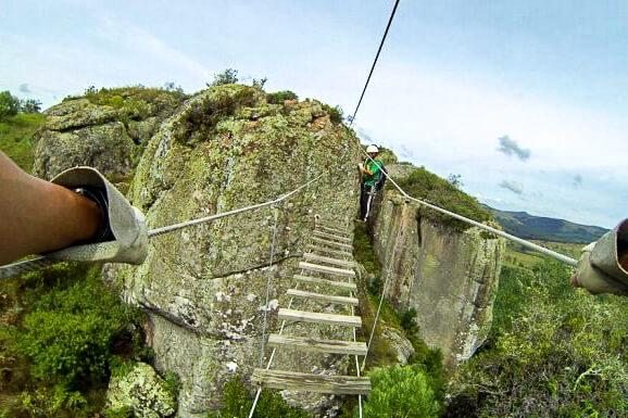 Adventure Park Lages - ponte de cabos de aço na via ferrata