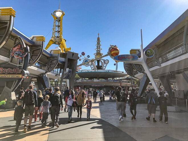 Atrações do Magic Kingdom - área futurista de Tomorrowland
