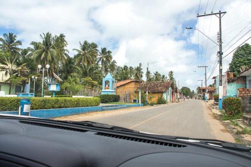 Praias de Alagoas - vire a esquerda na igrejinha para ir a Praia da Laje