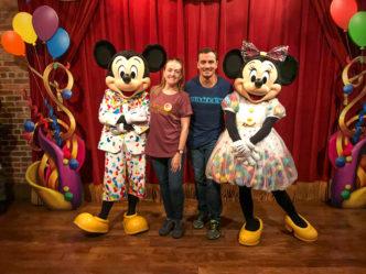 Atrações do Magic Kingdom - encontrando com Mickey e Minnie em suas roupas de festa