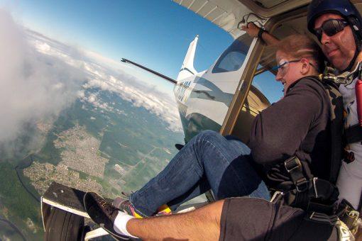 salto de paraquedas curitiba - saindo do avião