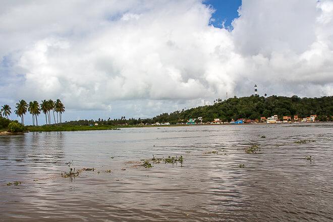 Praias de Alagoas - atravessando o rio de balsa
