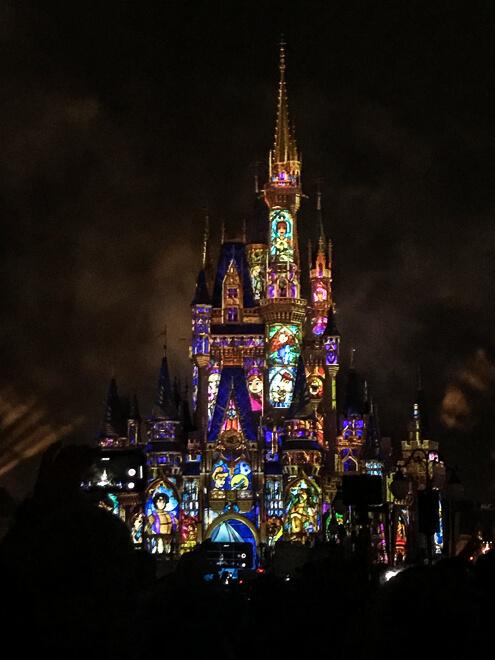 Show de projeções no castelo da cinderela
