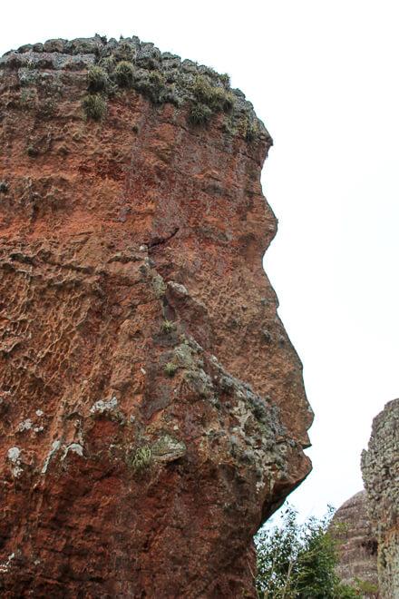 Índio Esculpido na Pedra