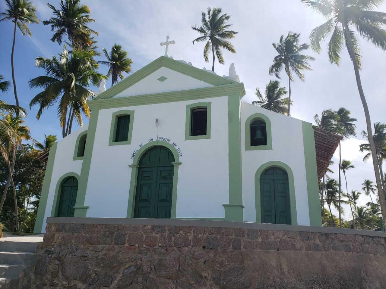 Capela de São Benedito vista da areia