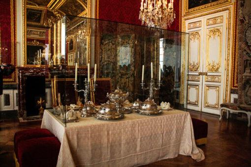 SAla de banquetes dentro do palácio ao lado dos quartos do rei e rainha