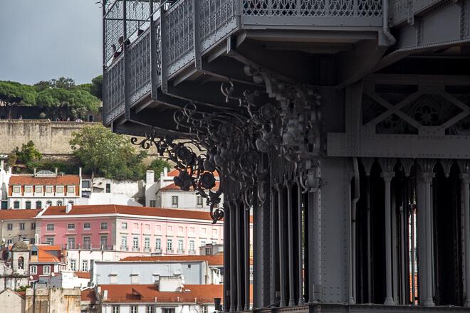 O que fazer em Lisboa em 1 dia - Estrutura de ferro do Elevador de Santa Justa