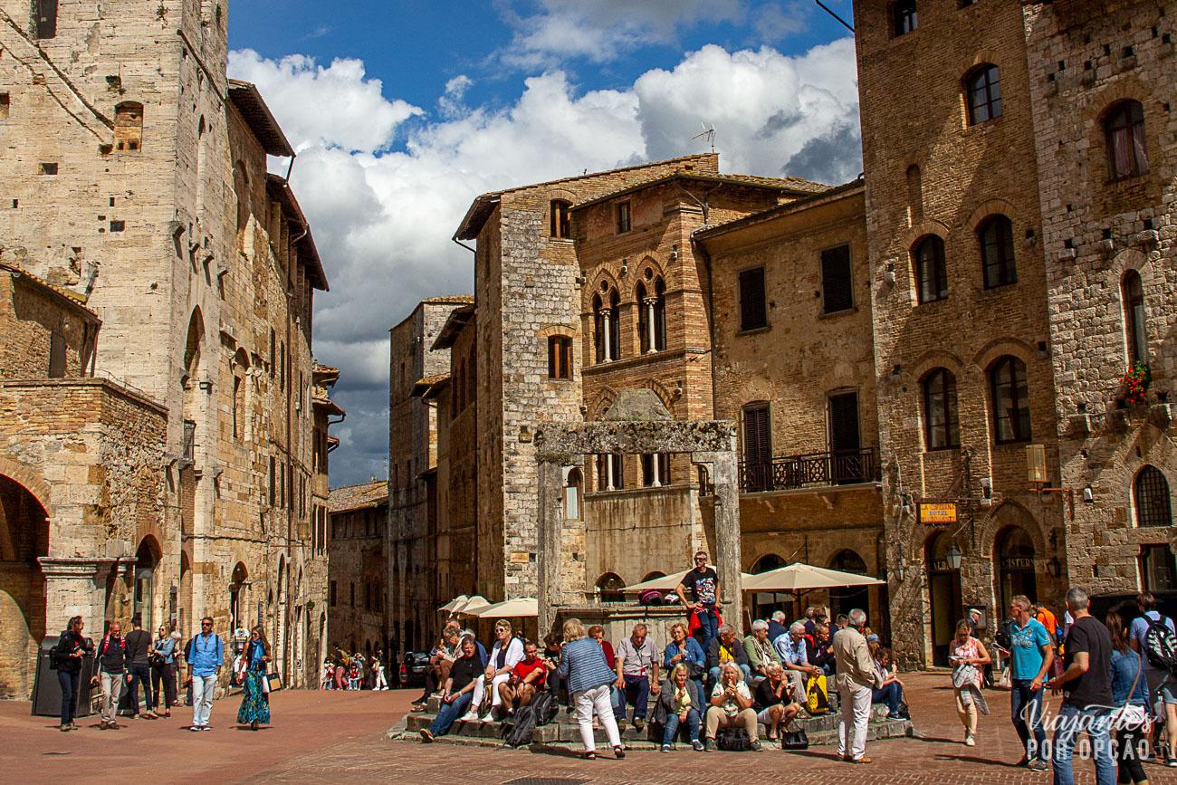 San Gimignano - piazza da cisterna